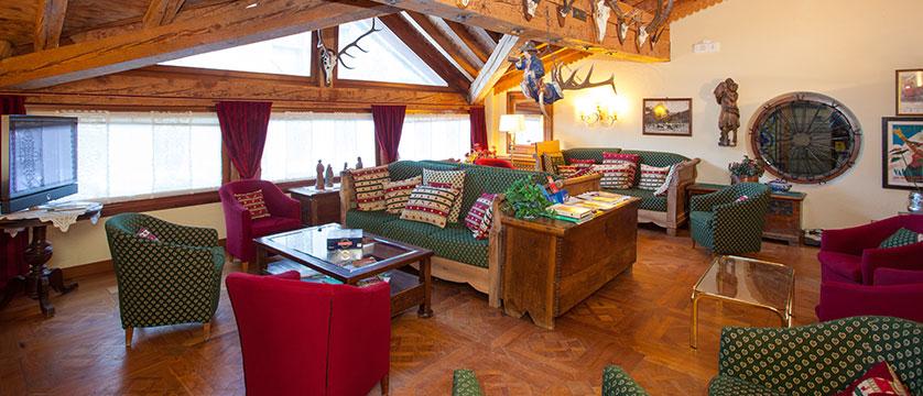 Italy_Cervinia_Hotel_juneaux_lounge.jpg